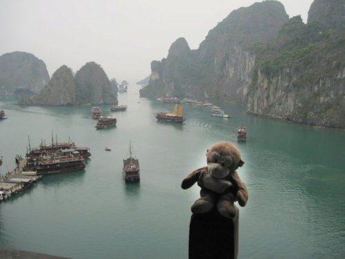Travel-vietnam-with-children