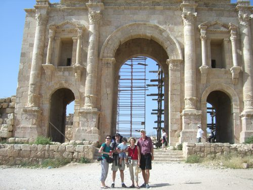 traveling-to-jordan-with-family