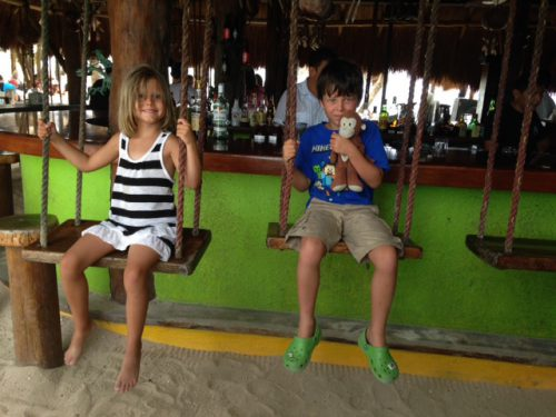 family-friendly-restaurant-in-akumal