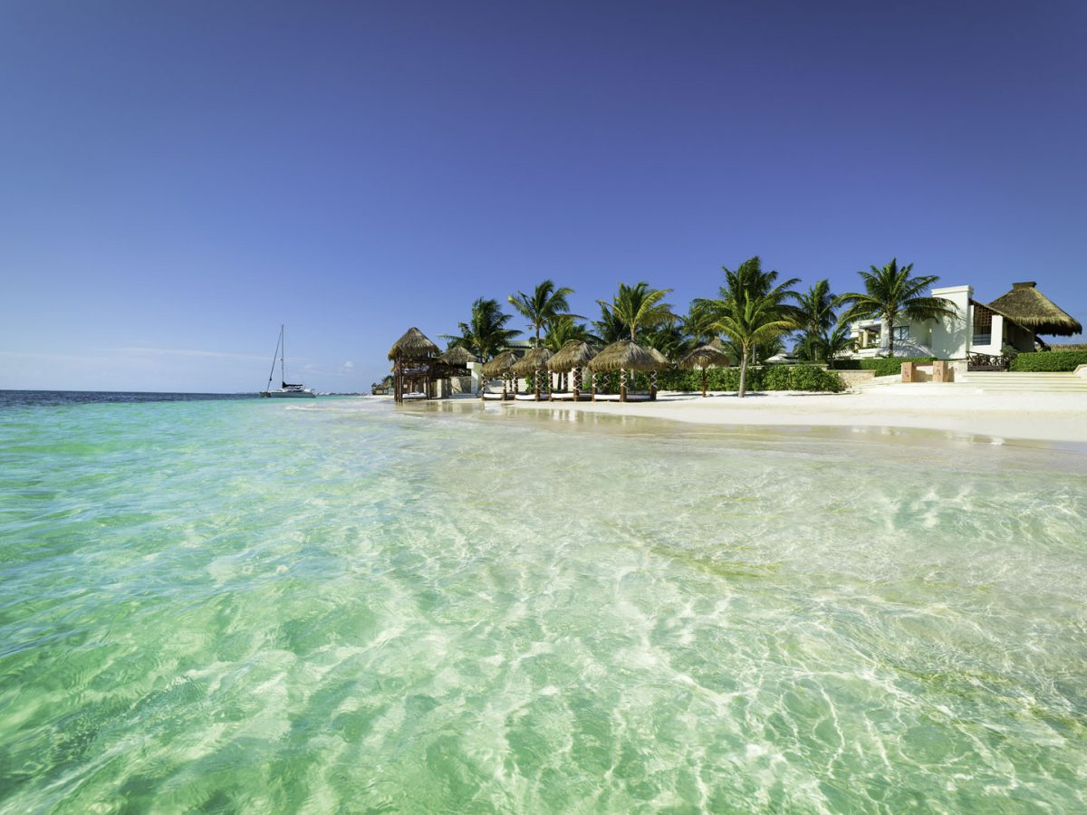 azul-beach-resorts-mexico